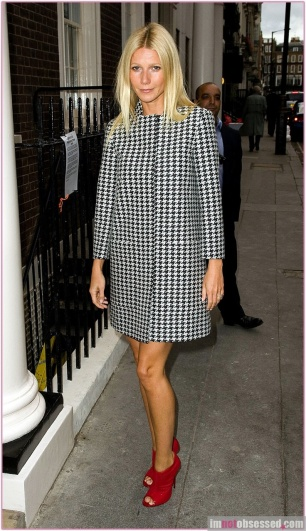#7850844 Gwyneth Paltrow arrives at 40 Dover Street to host a dinner for Cloud in London, UK on September 7, 2011. Restriction applies: USA ONLY Fame Pictures, Inc - Santa Monica, CA, USA - +1 (310) 395-0500